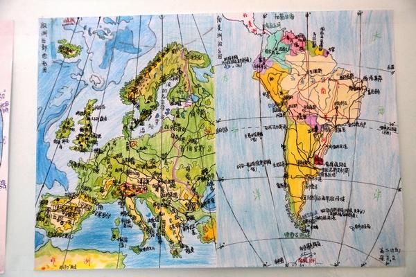 学生手绘的世界地图