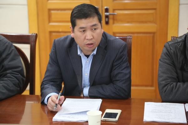 李伏庆副校长对提案中的有关问题进行答复