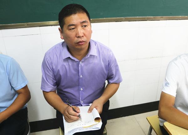 李伏庆副校长听开学第一课