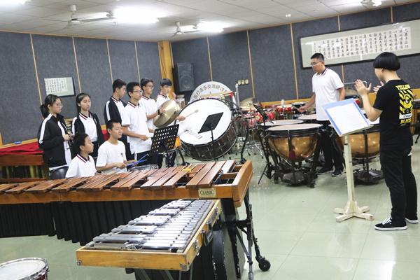 郑州19中星空艺术团赴西安音乐学院交流与学