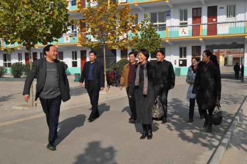 11月16日,郑州市第十九中学孙晓丽校长和马禾书记带队,送学校两名干部